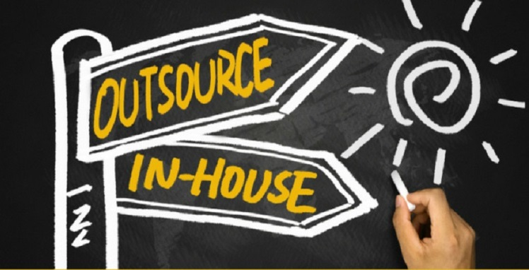 inhouse-vs-outsource-it-services
